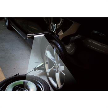 G5600_Car_37105.jpg