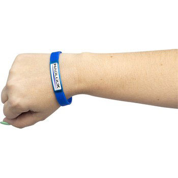 c7200id_ad_band_on_wrist.jpg